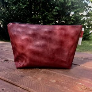 Hotte-Couture_Trousse-Crocodile-Rouge_03